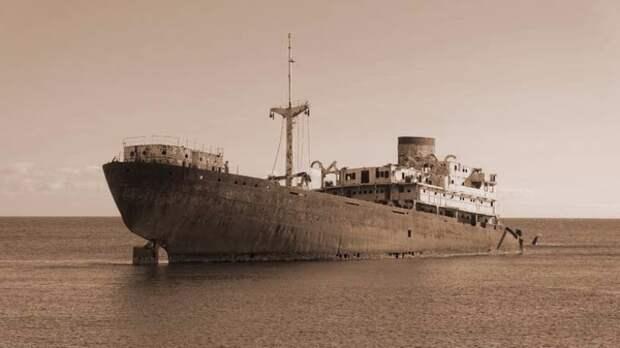 Тайна корабля с мертвым экипажем, который был найден недалеко от места крушения малайзийского Боинга