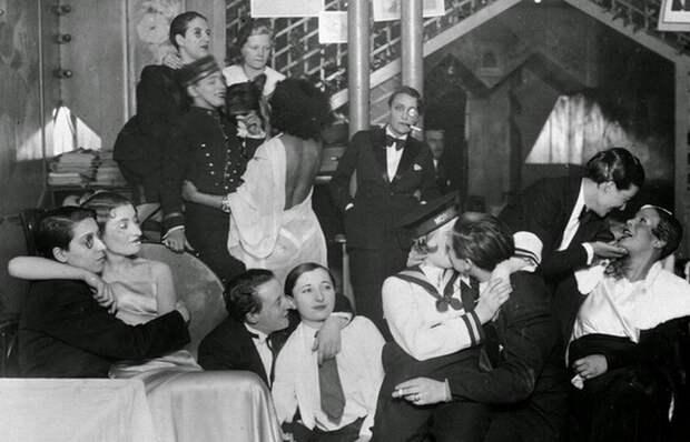 Парижский «Монокль»: История лесбийской любви, преступлений нацистов и мести героев «Сопротивления»