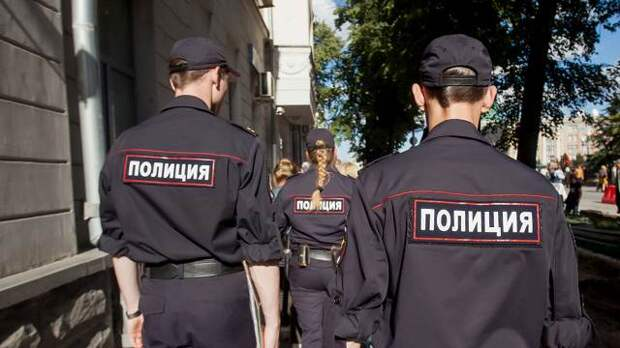 Россияне назвали полицейских опрятными, сильными и вежливыми