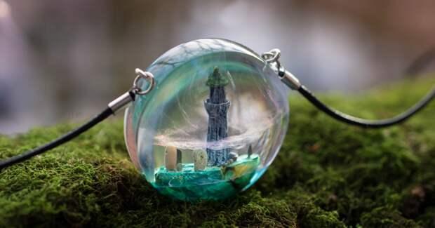69 авторских украшений и предметов декора с миниатюрными мирами внутри