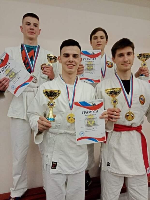 Спортсмены из Петровской кадетской школы завоевали золотые медали турнира по рукопашному бою