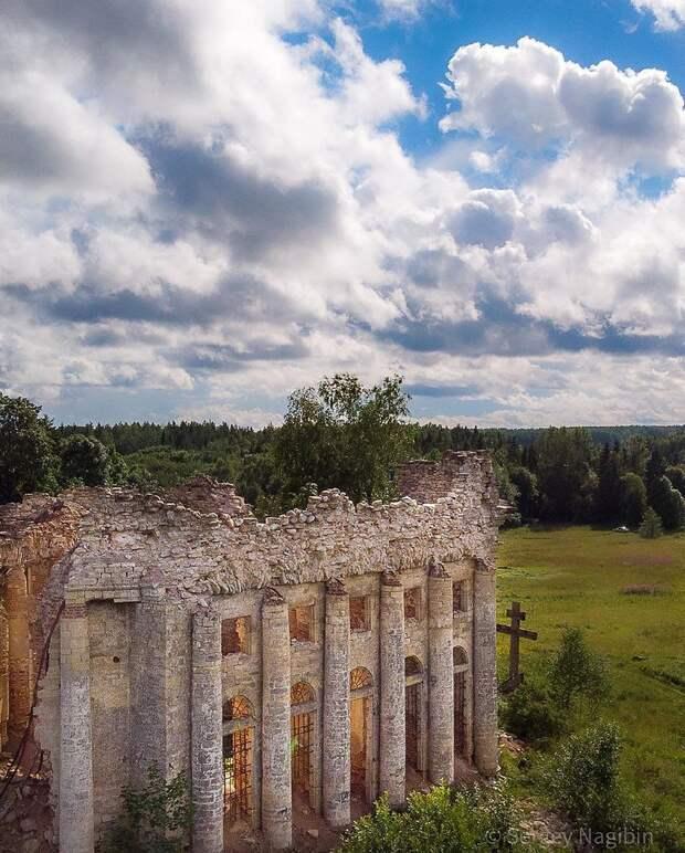 Руины Трoицкoм церкви в деревне Пятая Гoра, Ленoбласть.Фoтo: Сергей Нагибин - 2