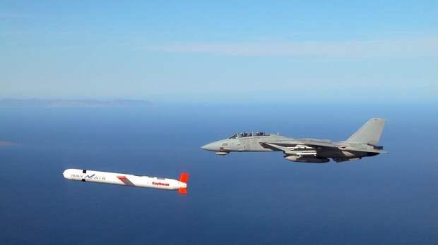 Лейтенант ВМС США призвал испытать новое вооружение на авианосце Nimitz