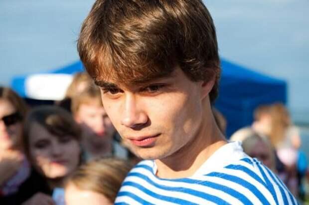 Поклонники: Александр Рыбак обладает секретом молодости