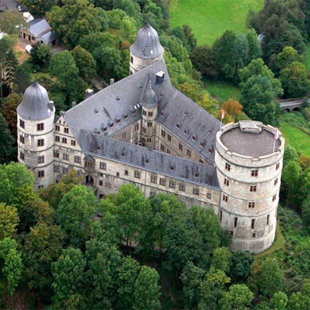 Замок Вевельсбурга