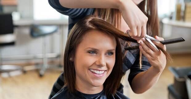 Существует длина волос, которая хороша практически для всех, вне зависимости от возраста, формы лица или текстуры волос