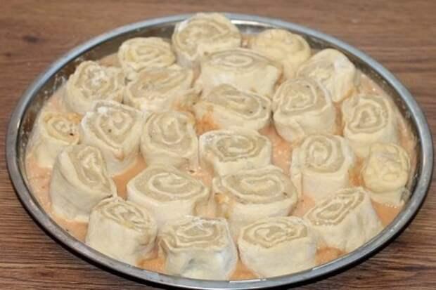 Пирог с начинкой в пряном соусе: фото шаг 11