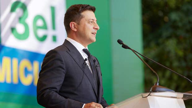 Пророссийский Медведчук триумфально обошел Зеленского в опросах на Украине