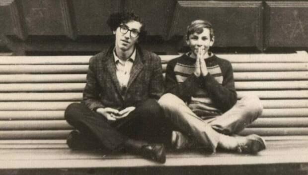 От стиляг до работяг: 20 фото советской молодежи 60‑хгодов