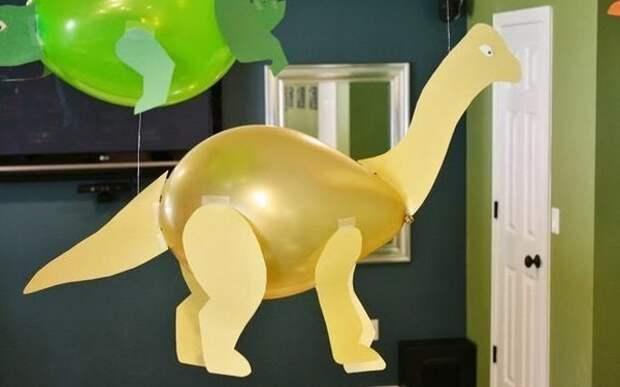 Детский мир. Динозаврики из шариков