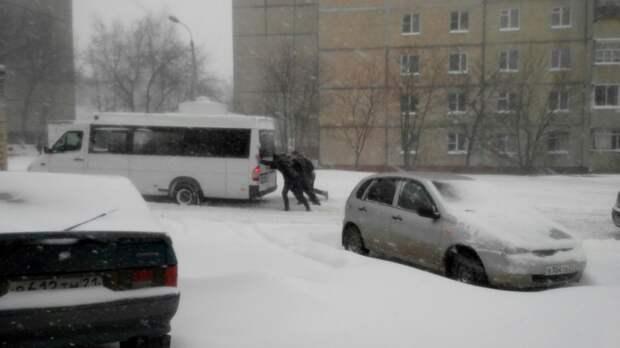 Или это была генеральная репетиция последствий очередного подорожания бензина? апрель, весна, погода, снег, юмор