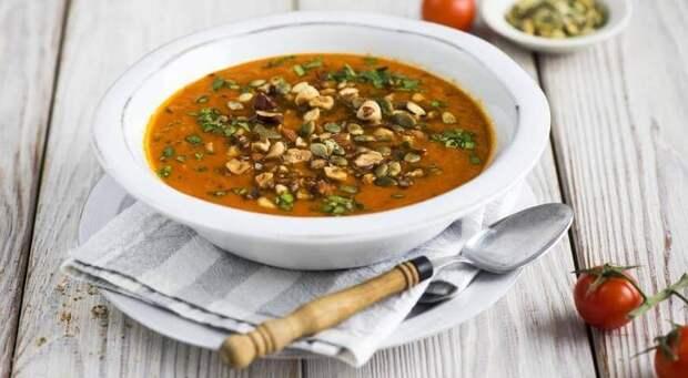 Постный томатный суп с куркумой