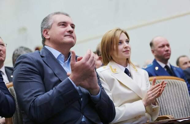 В Москве прочат отставку Аксёнова и невозвращение Поклонской