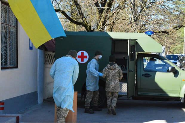 Четверо украинских военных умерли после испытаний американской вакцины