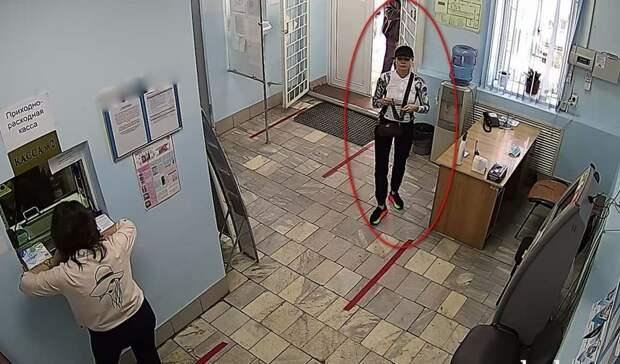 ВОренбурге поймали мошенницу, которая поподдельным паспортам забирала чужие деньги