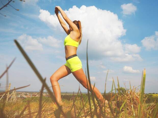 woman-1456950_1280-1024x768 Худеем незаметно: 5 упражнений для разгона метаболизма