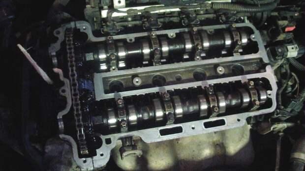 Замена прокладки крышки клапанов Opel Astra H 1.4 (90 л.с.)