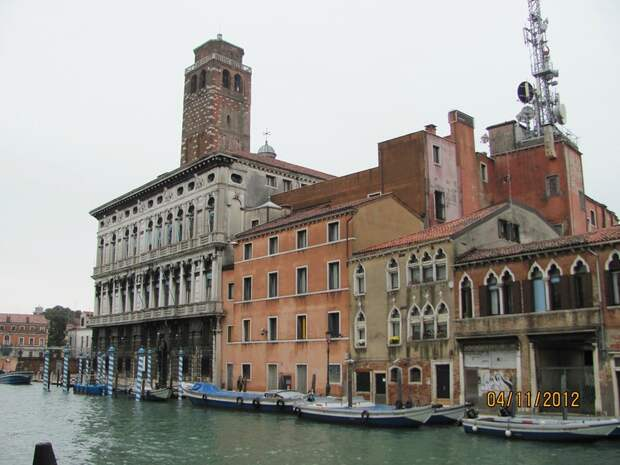 Восемь часов на площади Сан-Марко. Дворцы Венеции. Каналы Венеции. (3 статьи)