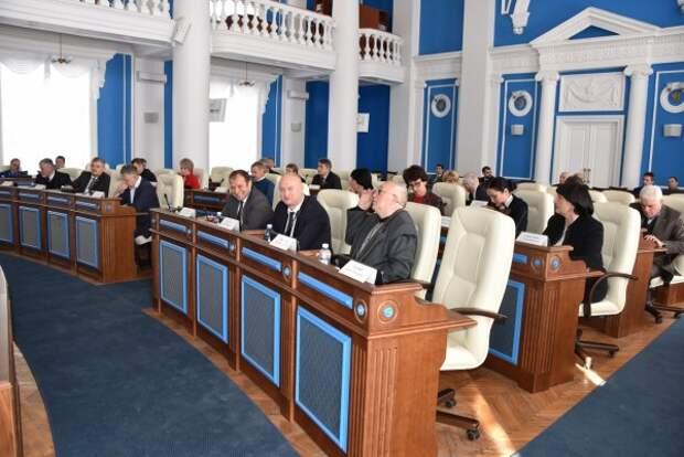 В пятницу депутаты Севастополя будут решать судьбу флага и герба