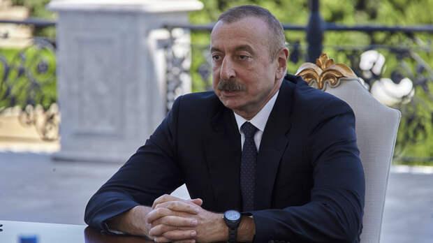 """Подстава для Пашиняна: Алиев похвалился победой в Карабахе. Но наткнулся на """"каменное лицо"""" Путина"""