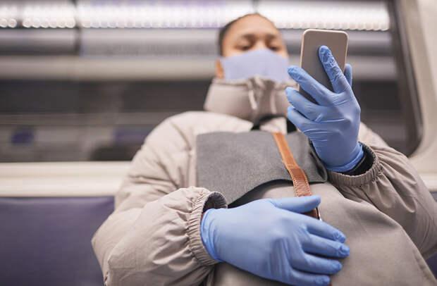 Власти Москвы усилили контроль ношения масок и перчаток в метро