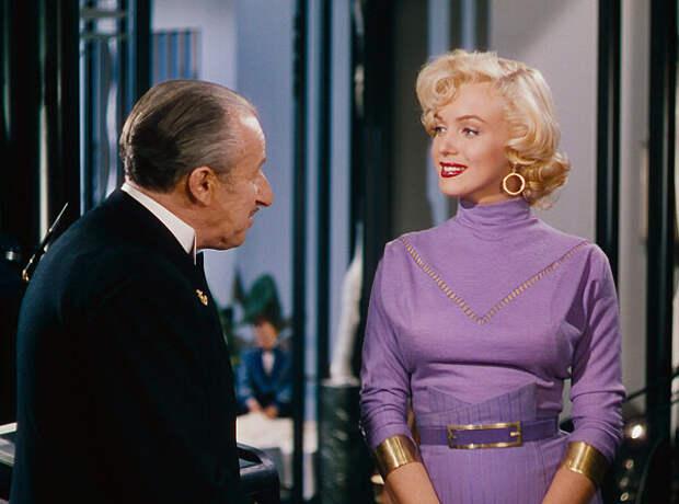 """кадр из фильма """"Джентльмены предпочитают блондинок"""""""