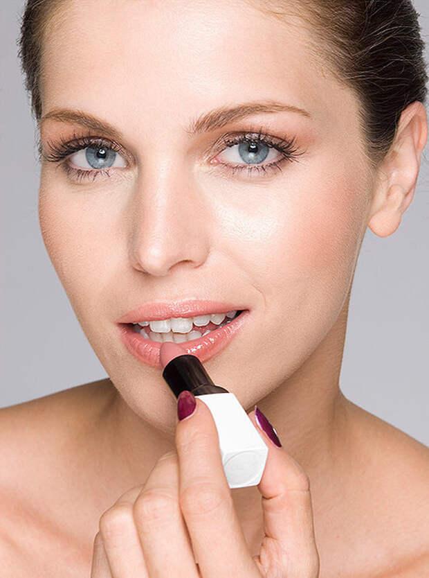 Стань моложе без инъекций и пластики: приемы в макияже, которые реально работают