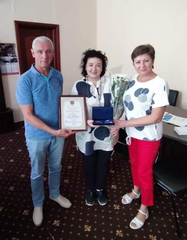 Семейная пара из Коптева получила медаль за крепкие отношения