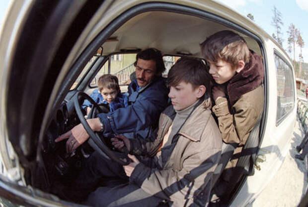 Многодетные семьи и водители-«чайники»: спасут ли они авторынок?