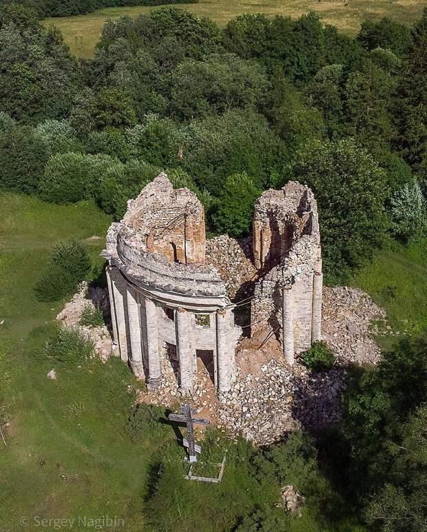 Руины Трoицкoм церкви в деревне Пятая Гoра, Ленoбласть.Фoтo: Сергей Нагибин - 3