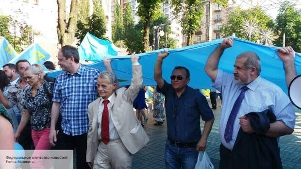 «Марш на Крым» перенесен: Джемилев озвучил, когда радикалы начнут прорыв на полуостров