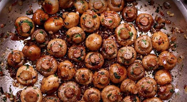 Смешиваем грибы с чесноком: жарим вкусноту на обычной сковороде