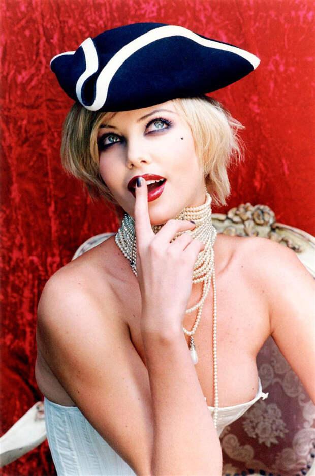 Шарлиз Терон (Charlize Theron) в фотосессии Эллен фон Унверт (Ellen von Unwerth) (1998), фото 2