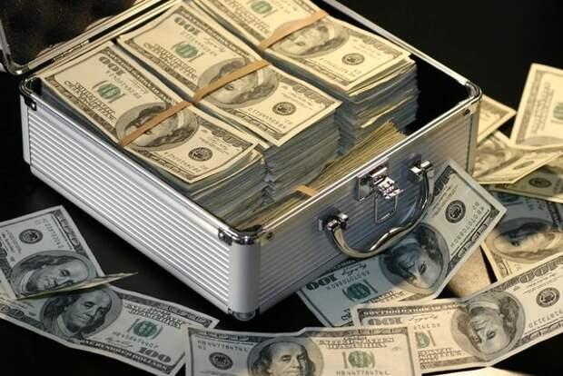 Пекин и Москва начали отказываться от использования доллара