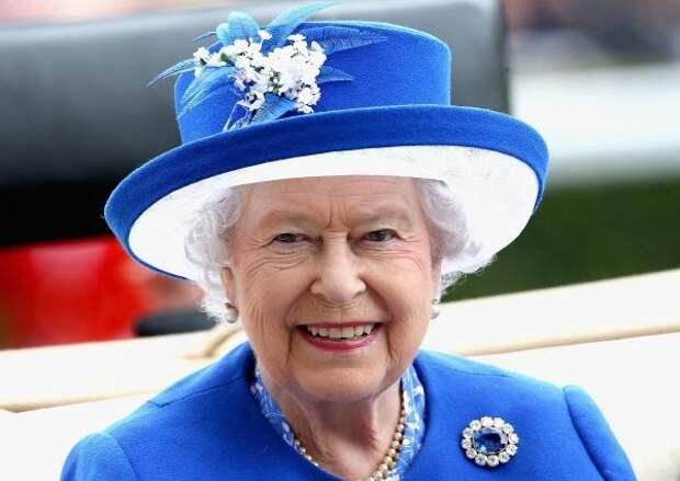 Королева Великобритании Елизавета II поздравила россиян с Днем России
