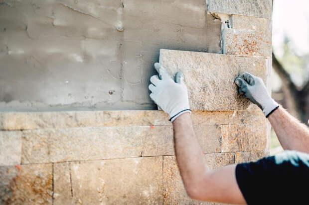 Облицовка фасада плиткой из натурального камня