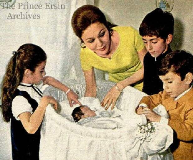 Восхитительная Фарах Пехлеви. Ради этой женщины шах бросил всех своих жен