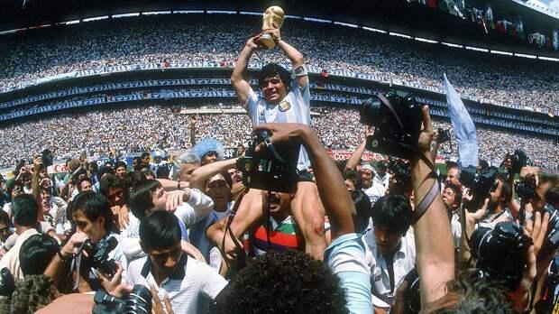 Игра бога: мгновения славы Диего Марадоны