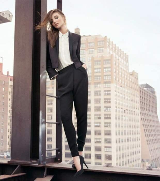 Деловой стиль в одежде: черно-белая капсула
