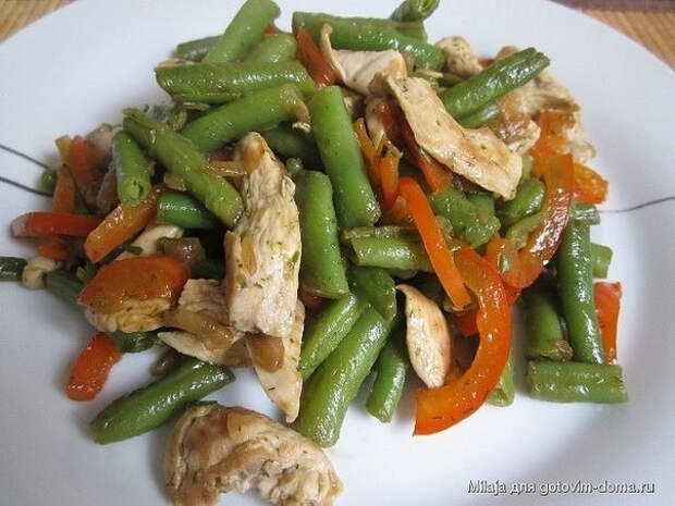 ПОХУДЕЙКИНЫ РЕЦЕПТЫ. Теплый салат с курицей, перцем и стручковой фасолью
