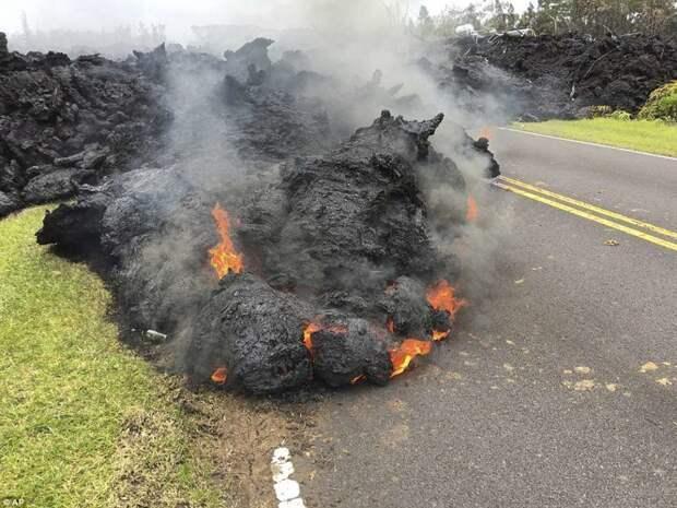 Аэросъемка последствий извержения вулкана Килауэа на Гавайях ynews, Гавайи-Катастрофа, Килауэа, вулкан, гавайи, извержение, извержение вулкана, катаклизм
