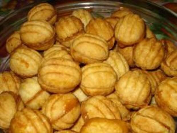Печенье «Орешки» с вареной сгущенкой – рецепт