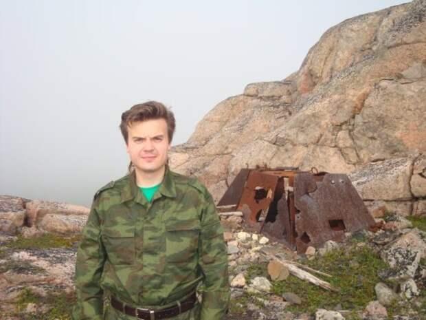 Русских не победить: Наверняка вы все видели эту фотографию. Один человек взял и разыскал героя