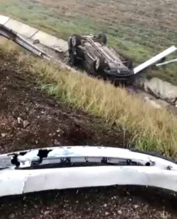 Пять машин попали в аварию на трассе Дубки-Левадки в Крыму