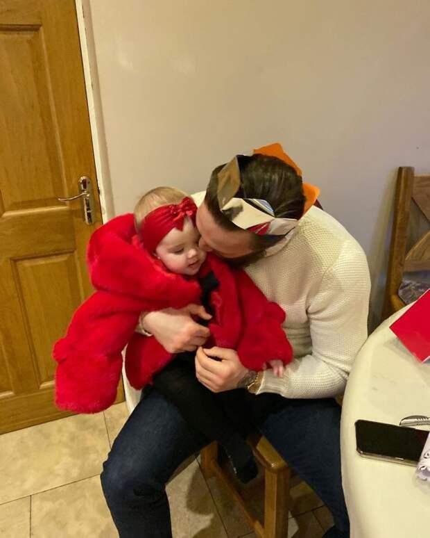 6 милых и домашних фото Макгрегора с Рождества