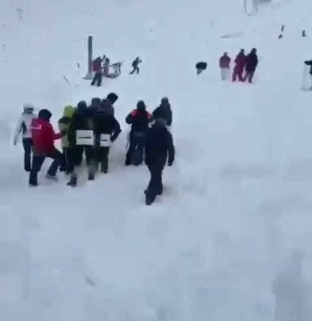 Дело о халатности возбудили после схода лавины в КЧР