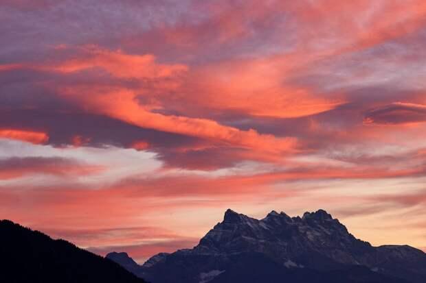 Потерявшийся в горах турист сутки сбрасывал звонки спасателей из-за незнакомого номера