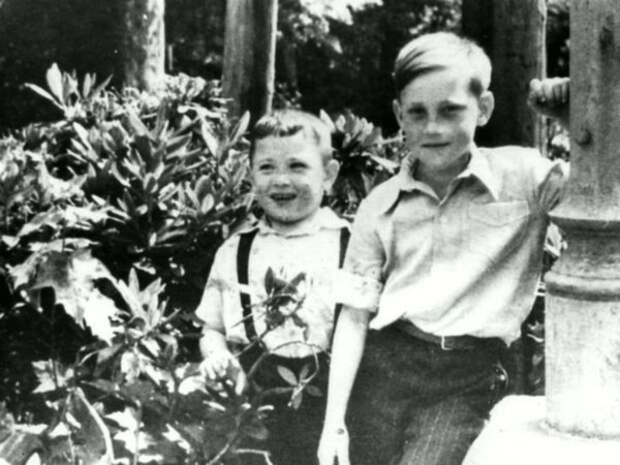 Высоцкий в детском санатории города Бад-Эльстер с Игорем Зерновым, Германия, 1948 год