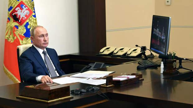 Зачем Путин напомнил американцам о своем коммунистическом прошлом
