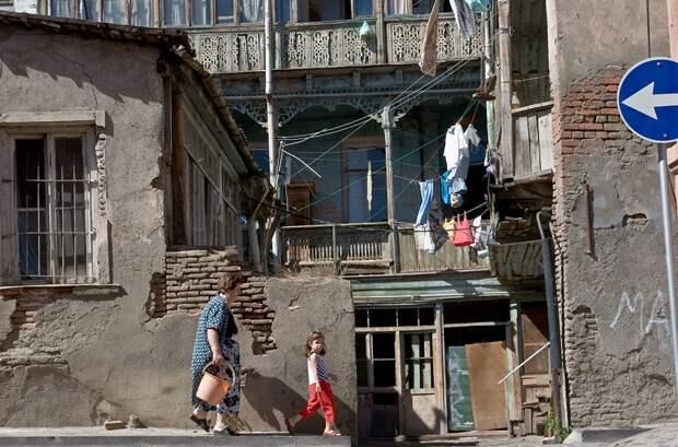Прозападная Грузия разочаровывает граждан – в стремлении к НАТО власти игнорируют нищету и безработицу
